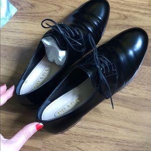 Like New Prada Patent Leather Oxfords 38.5 / 7.5